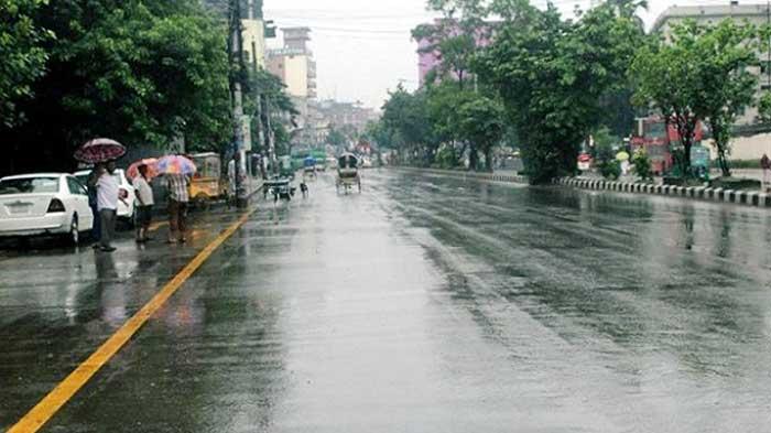 'আম্পানের' প্রভাবে রাজধানীতে বৃষ্টি
