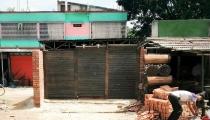 কালীগঞ্জে বিধবার জমি দখল করে দালান নির্মাণ