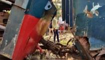 দুই মালবাহী ট্রেনের সংঘর্ষ, খুলনার সঙ্গে রেল যোগাযোগ বন্ধ